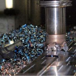 Obróbka CNC tworzyw czy formowanie wtryskowe